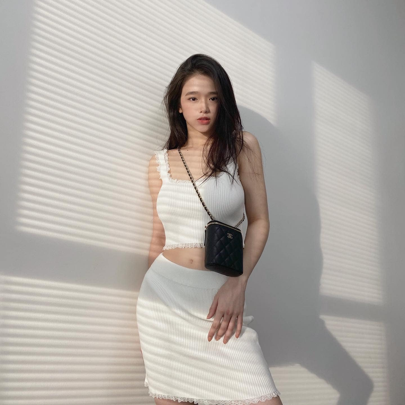 Mac ao tam goi cam, hot girl Linh Ka duoc fan khen nuc no-Hinh-6