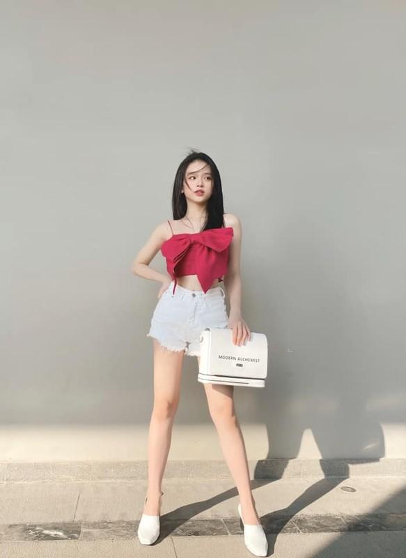 Mac ao tam goi cam, hot girl Linh Ka duoc fan khen nuc no-Hinh-9