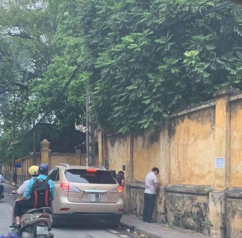 Thoi xau tai xe Viet: Bien duong di thanh nha ve sinh cong cong-Hinh-10