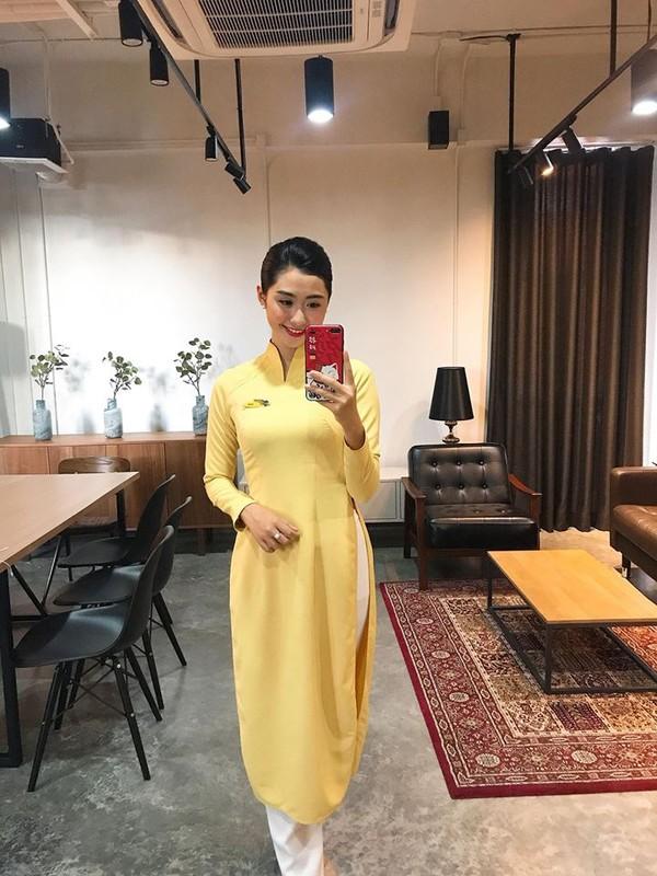 Ngam thi sinh Hoa hau Viet Nam dai dien hinh anh cho hang hang khong-Hinh-4