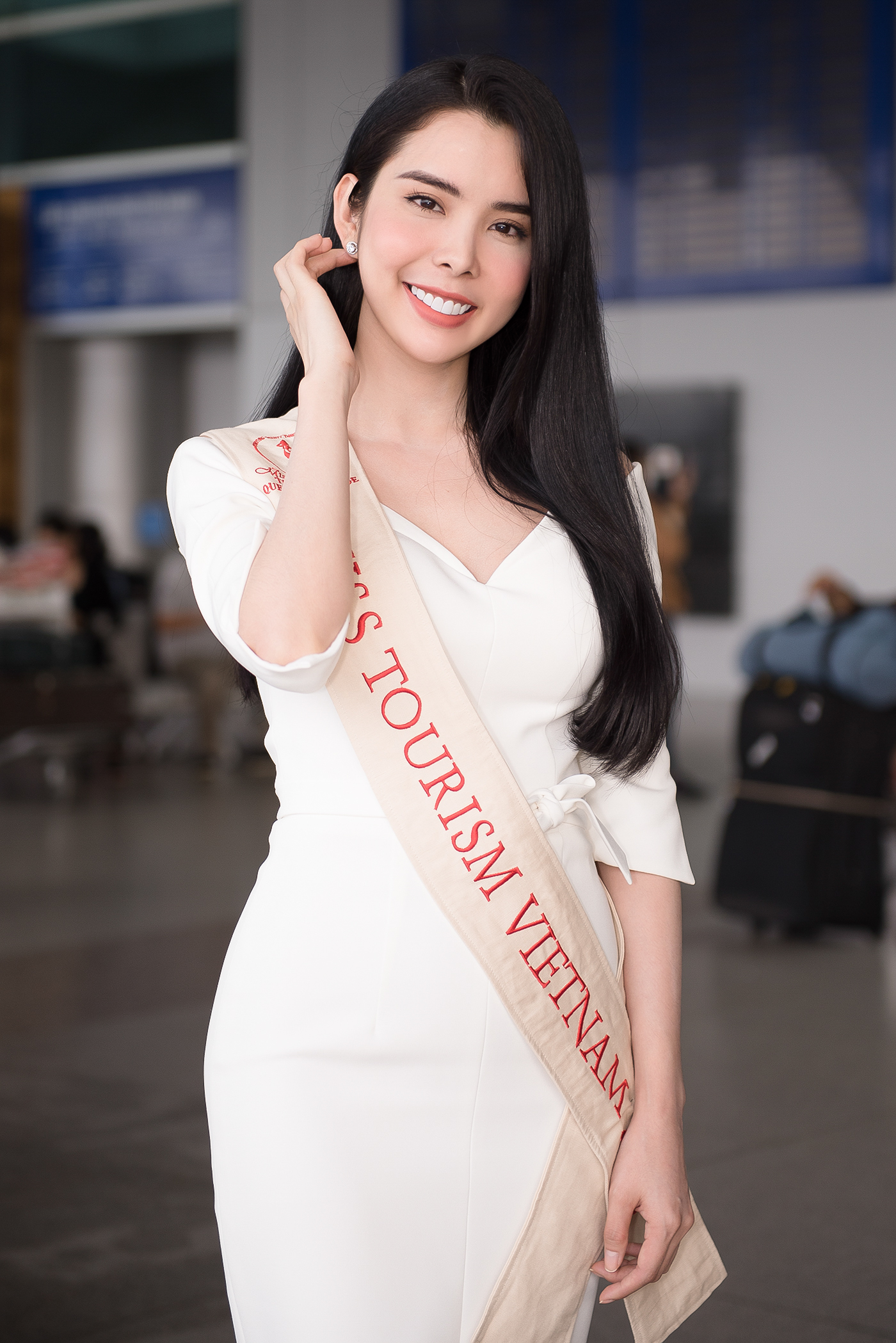 Lien Binh Phat tien Huynh Vy di thi Miss Tourism Queen Worldwide-Hinh-5