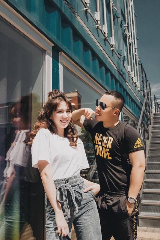 """Soi loi the giup Ngoc Trinh hut dai gia du """"bat ca hai tay""""-Hinh-3"""