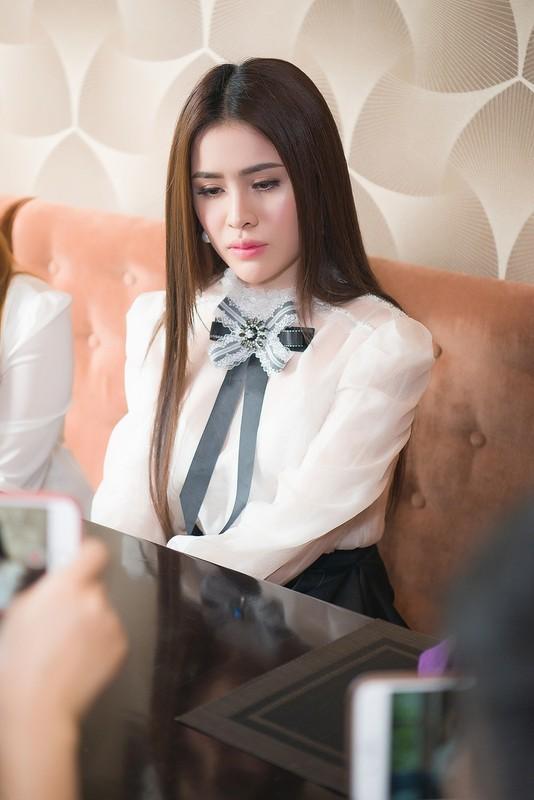 Thu Dung: Nhan 25.000USD chi de cafe voi dai gia, du luan phan ung gat