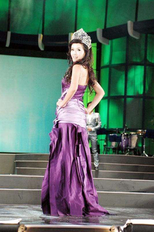 Mai Phuong Thuy trinh dien boc lua tren san catwalk-Hinh-8