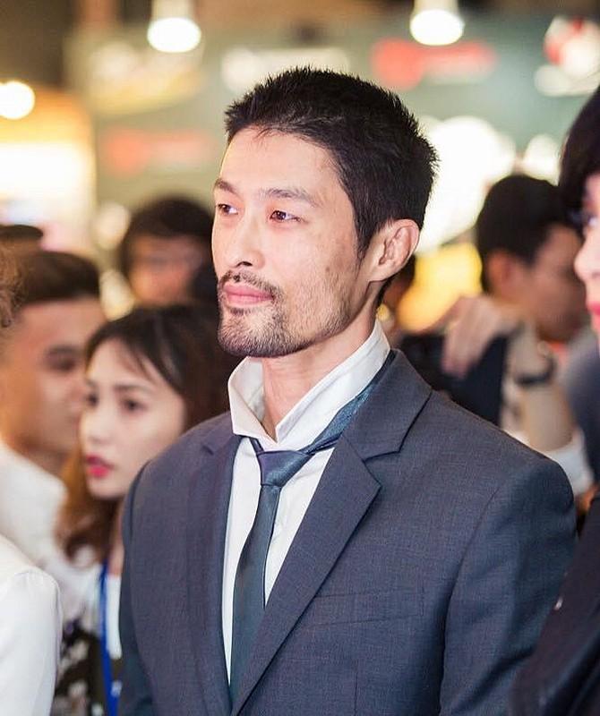 Choang vang voi ngoai hinh xuong doc cua Johnny Tri Nguyen-Hinh-5