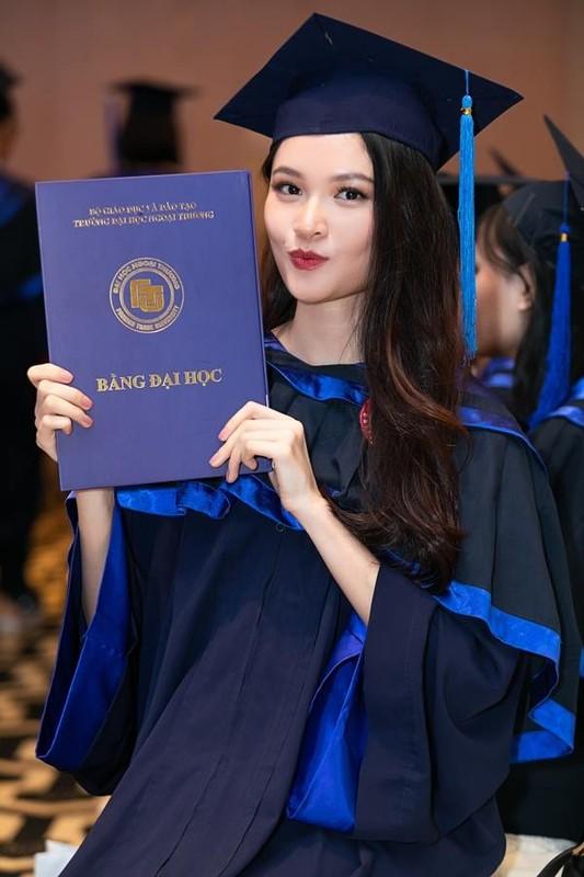 A hau Thuy Dung khoe tron than hinh goi cam voi bikini-Hinh-11