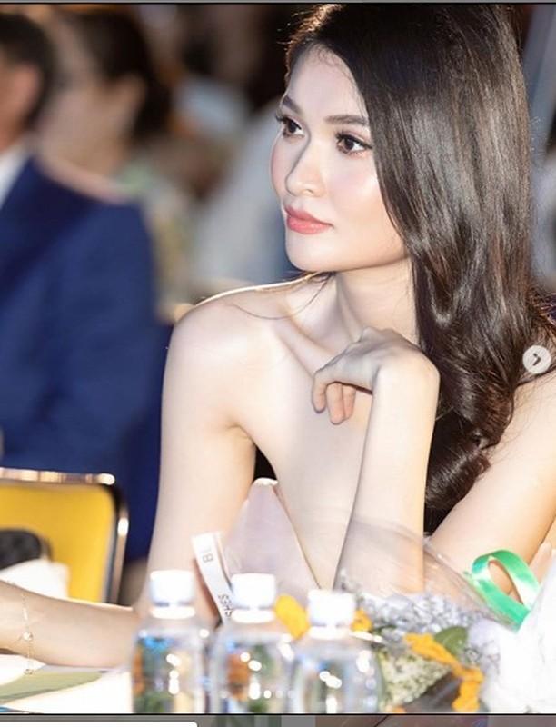 A hau Thuy Dung khoe tron than hinh goi cam voi bikini-Hinh-6