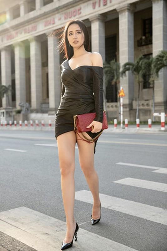 "Mai Phuong Thuy lo than hinh ""phat tuong"" tren truyen hinh-Hinh-4"