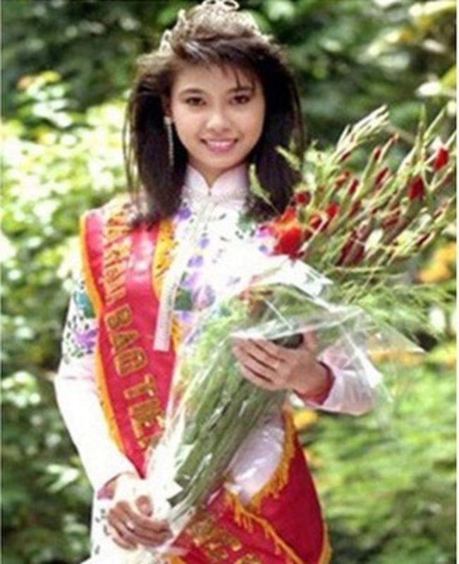 Hoa hau dang quang nam 16 tuoi, dong canh nong gay soc gio ra sao?