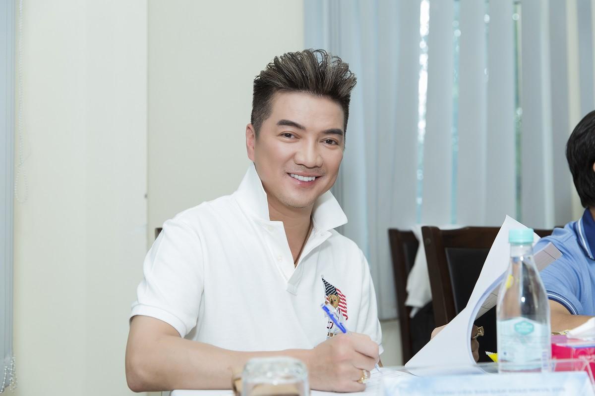 Ngam dan thi sinh lot Chung khao phia Bac Miss World Viet Nam-Hinh-2