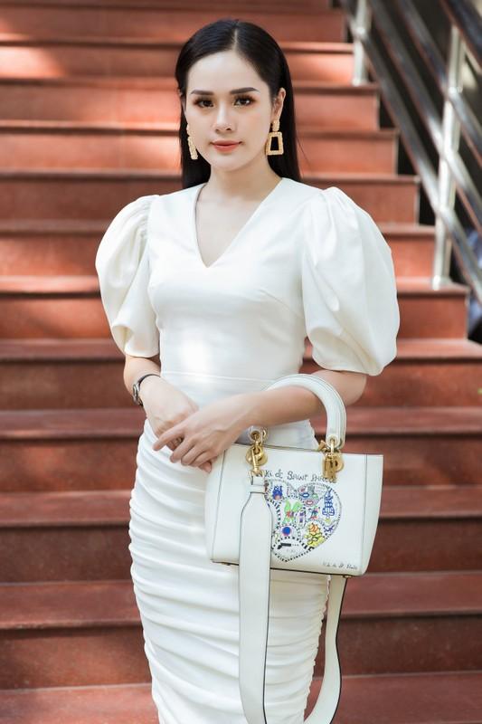 Ngam dan thi sinh lot Chung khao phia Bac Miss World Viet Nam-Hinh-5