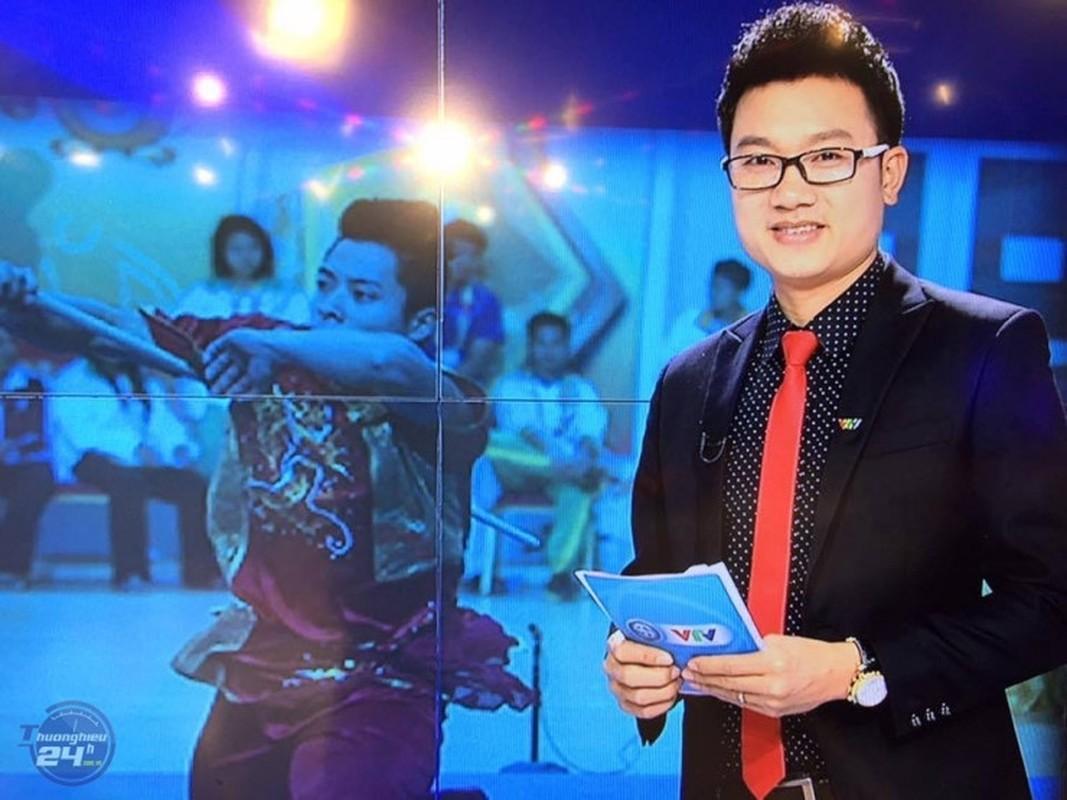 Truoc Kin Nguyen, MC Minh Tiep bi to bao hanh em vo suot 5 nam-Hinh-6