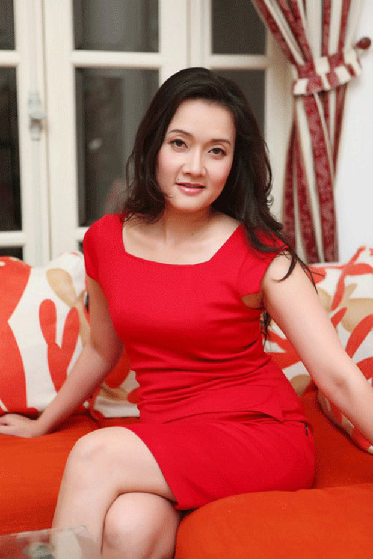 Truoc Kin Nguyen, MC Minh Tiep bi to bao hanh em vo suot 5 nam-Hinh-9