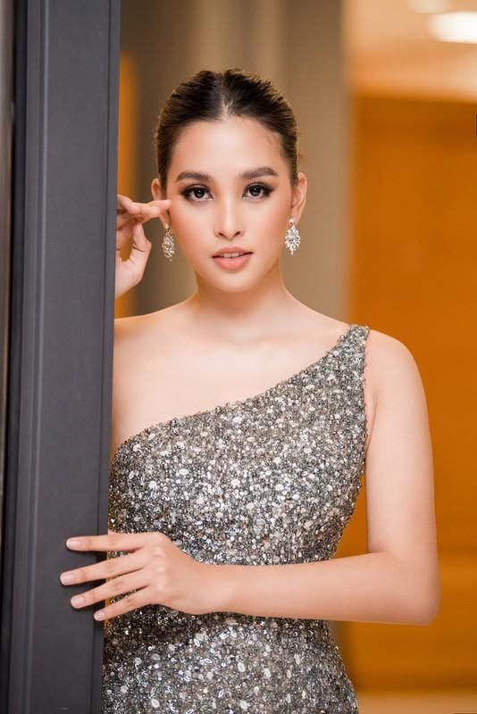 Hoa hau Tieu Vy va Luong Thuy Linh do sac voi vai tran goi cam-Hinh-3