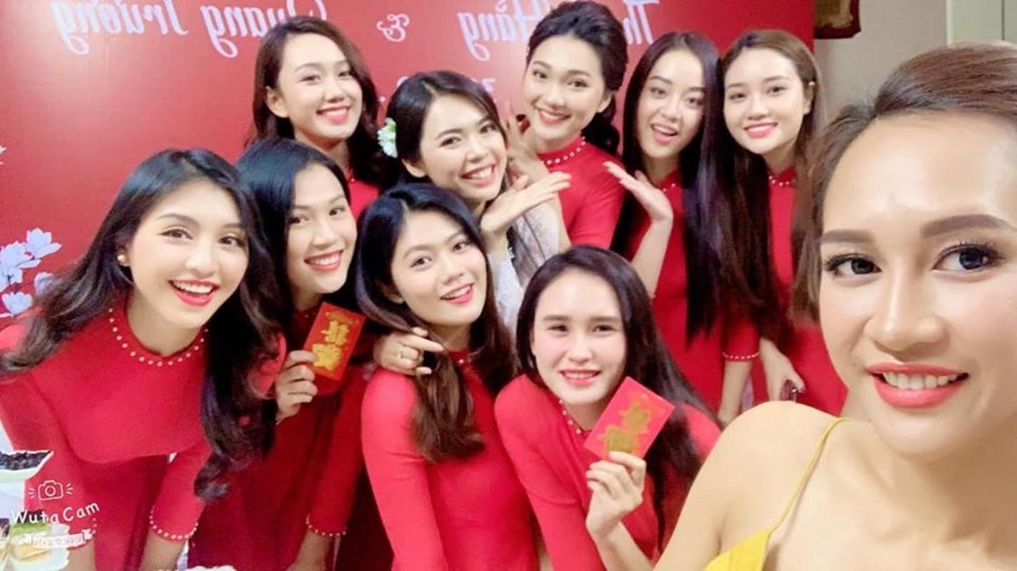 "Ngam ""dan be trap xinh nhat Viet Nam"" trong dam hoi Bui Thanh Hang-Hinh-2"