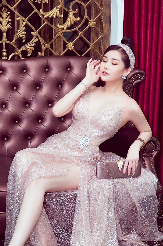 """Le Au Ngan Anh """"lot xac"""" sau 2 nam dang quang: Khong chi gioi, ngay cang xinh!-Hinh-10"""