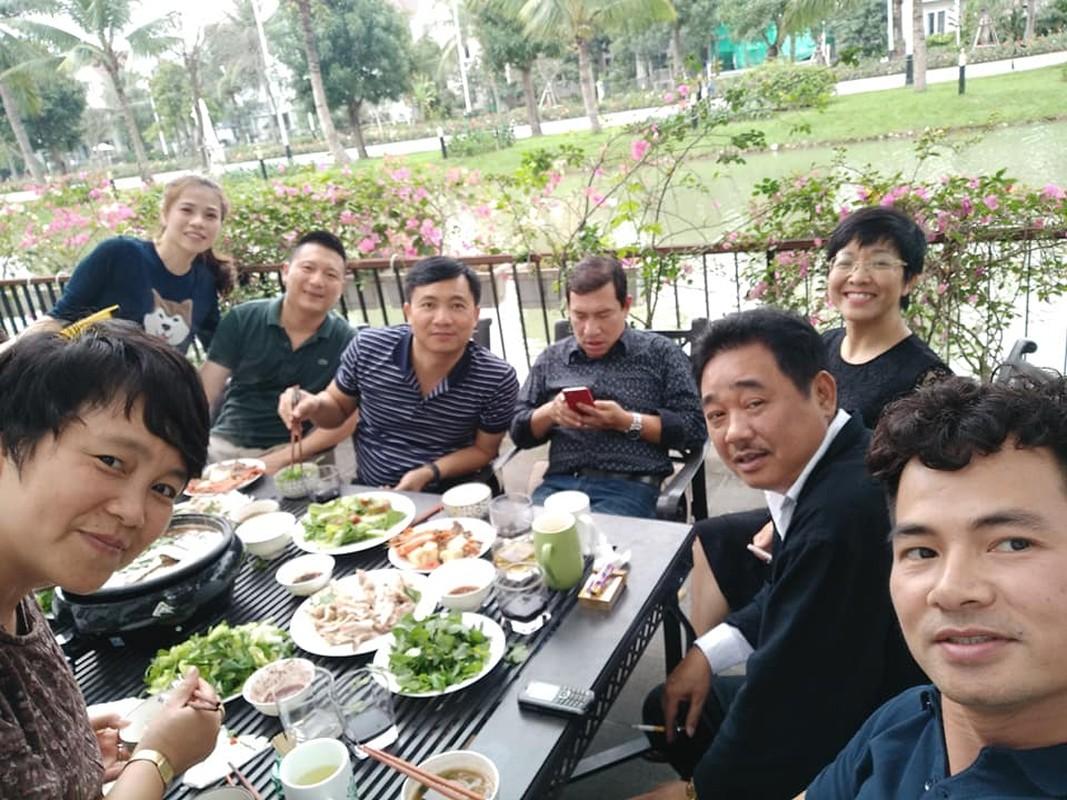 """Ngoc Hoang"" Quoc Khanh van don Tet le bong o tuoi U60-Hinh-10"