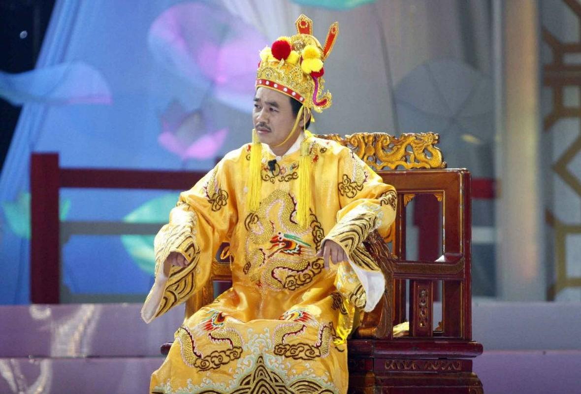 """Ngoc Hoang"" Quoc Khanh van don Tet le bong o tuoi U60-Hinh-2"