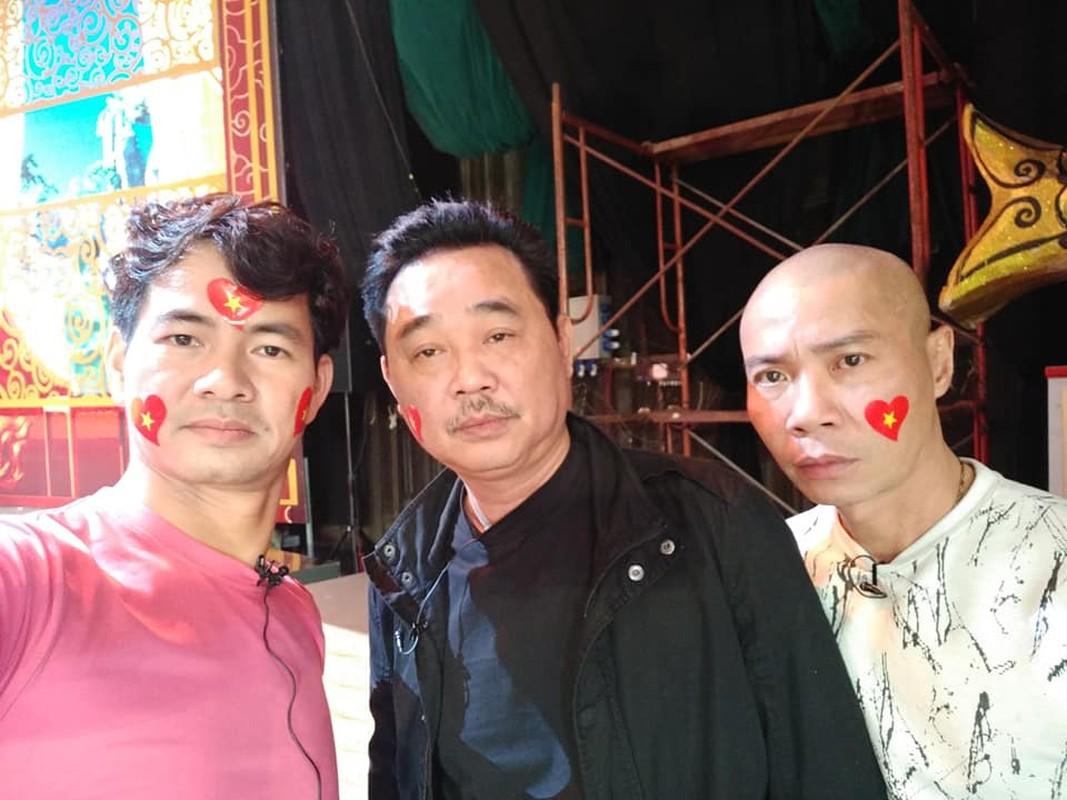 """Ngoc Hoang"" Quoc Khanh van don Tet le bong o tuoi U60-Hinh-3"