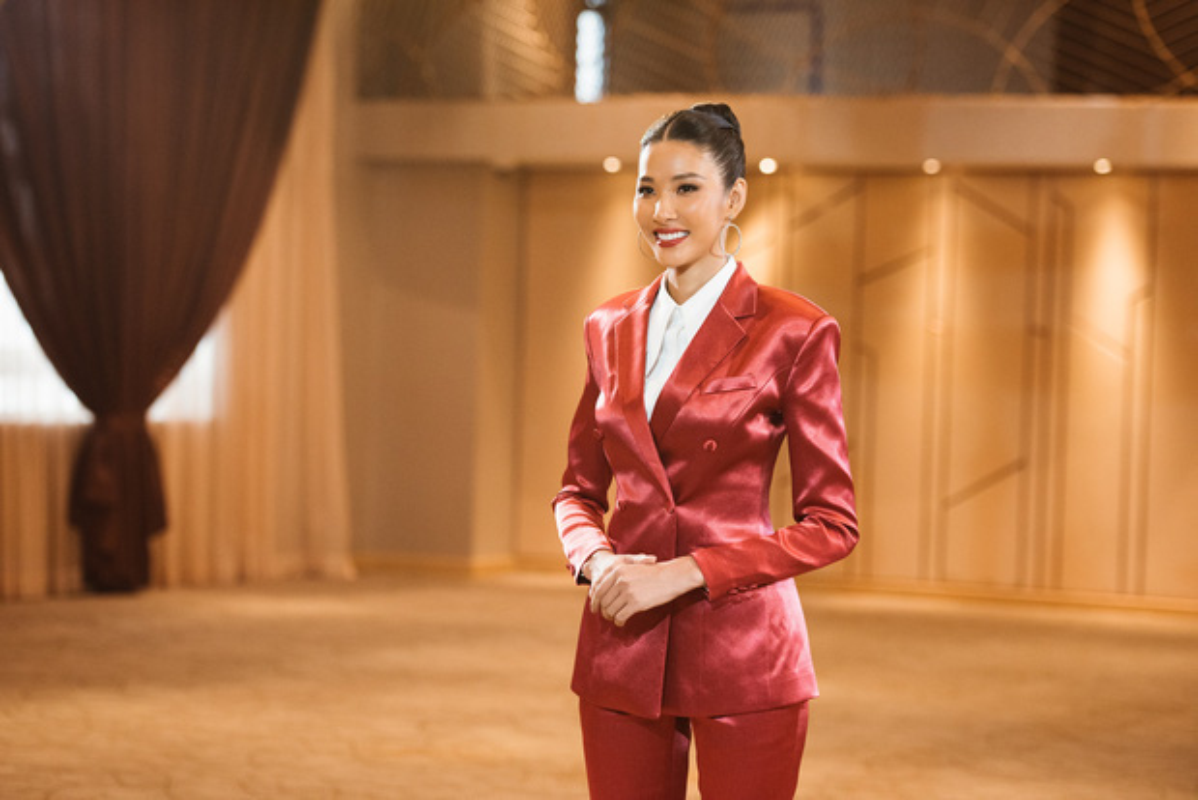 Hoang Thuy: Co gai ban hang rong nam xua da