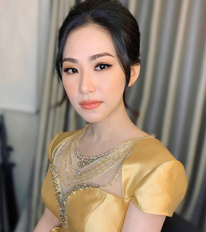 """Truoc Hong Ngoc, loat sao Viet bi bong khien fan """"so xanh mat""""-Hinh-11"""