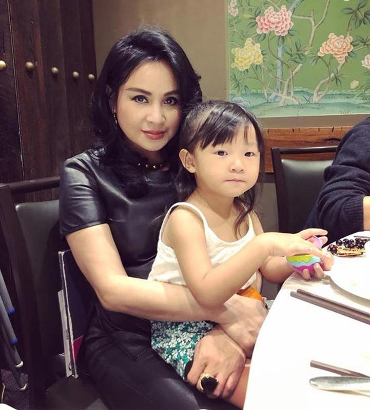 Thanh Lam xinh dep, an vui ben con va tinh tre o tuoi 51-Hinh-8