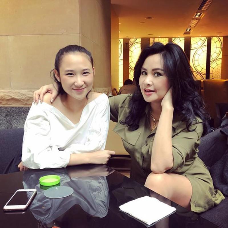 Thanh Lam xinh dep, an vui ben con va tinh tre o tuoi 51-Hinh-9