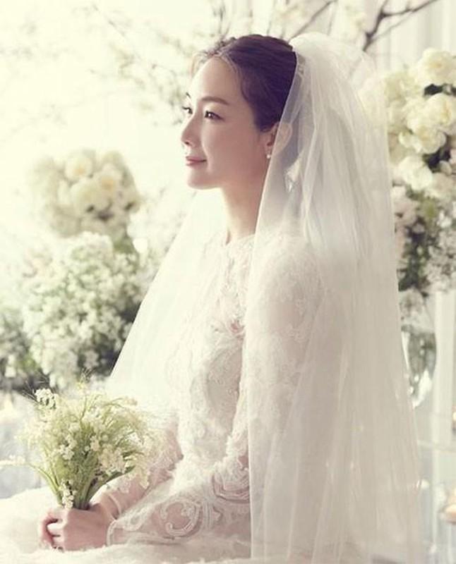 Choi Ji Woo giau co, vien man ben chong va con gai moi sinh-Hinh-14