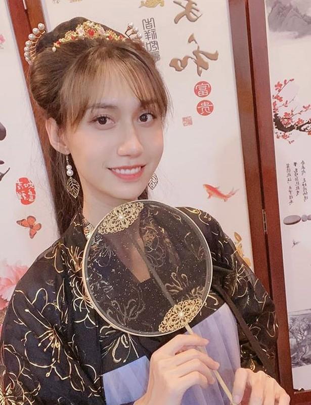 Lynk Lee lan dau khoe nguc sau chuyen gioi, goi cam khong ngo-Hinh-8