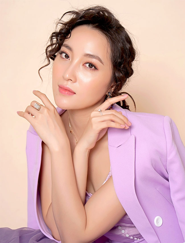 "Nhan sac co gai mac benh ""them trai"" trong ""Truyen thuyet ve Quan Tien""-Hinh-13"
