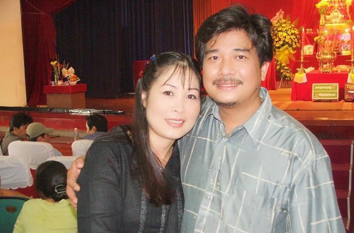 """Soi doi tu cap MC """"Vo chong son"""": Hong Van - Quoc Thuan-Hinh-10"""