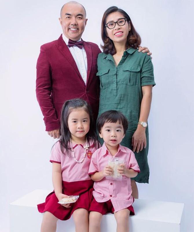 """Soi doi tu cap MC """"Vo chong son"""": Hong Van - Quoc Thuan-Hinh-13"""