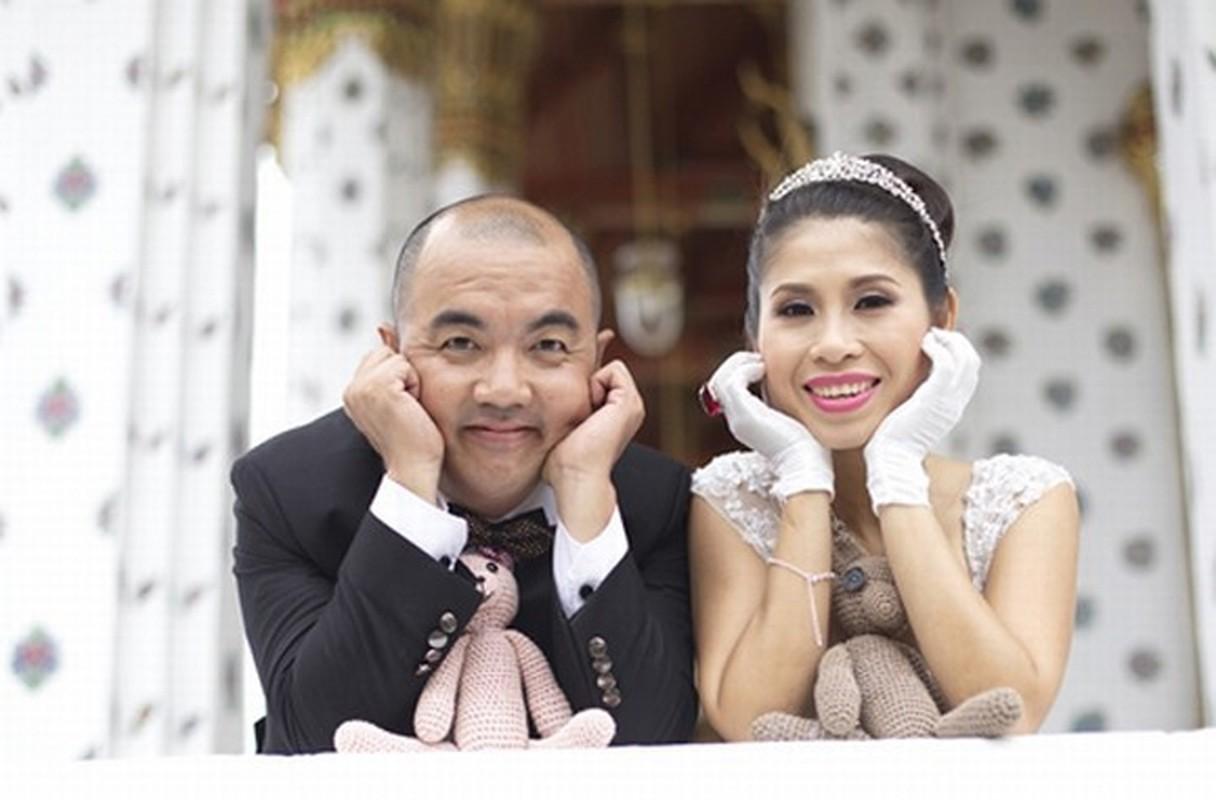 """Soi doi tu cap MC """"Vo chong son"""": Hong Van - Quoc Thuan-Hinh-14"""