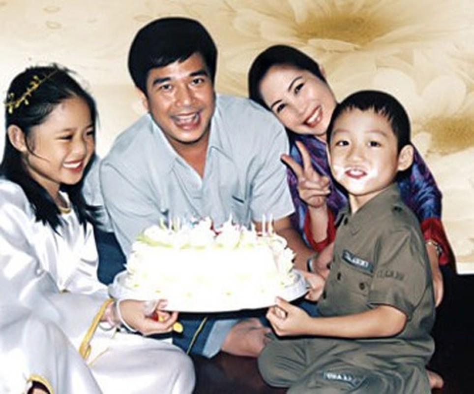 """Soi doi tu cap MC """"Vo chong son"""": Hong Van - Quoc Thuan-Hinh-2"""