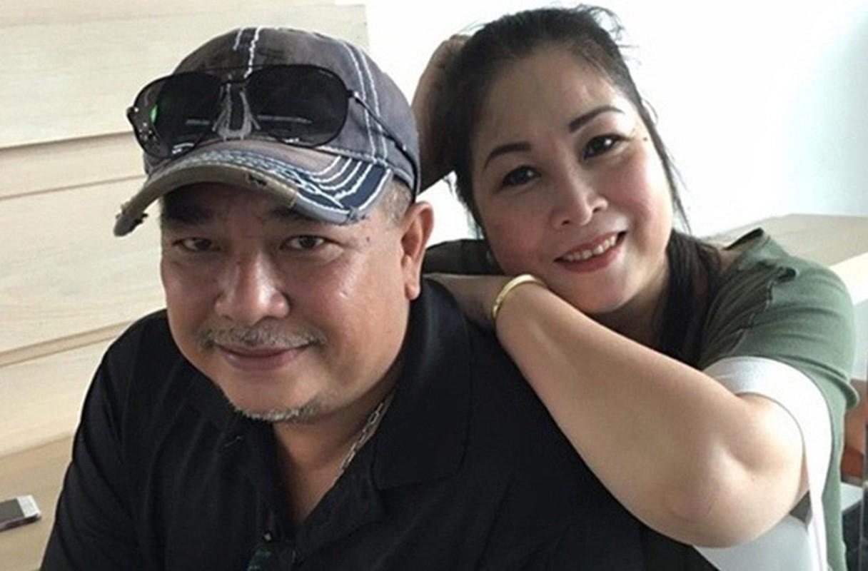 """Soi doi tu cap MC """"Vo chong son"""": Hong Van - Quoc Thuan-Hinh-9"""