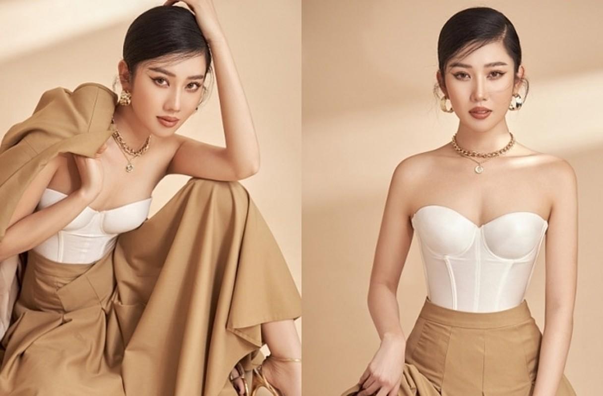 """Thoi trang khoe eo thon, nguc day cua Thuy Ngan """"Gao nep gao te""""-Hinh-3"""