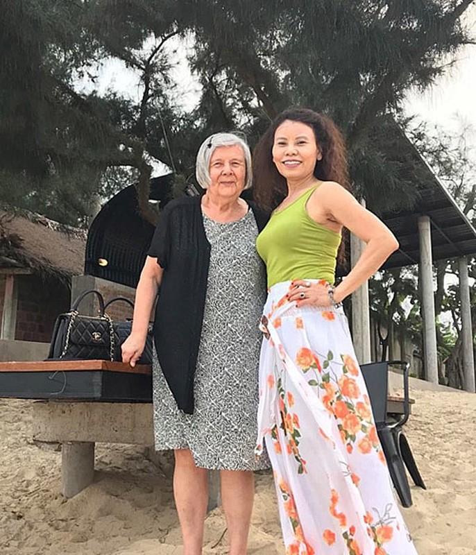 Ho Ngoc Ha tung bi Kim Ly