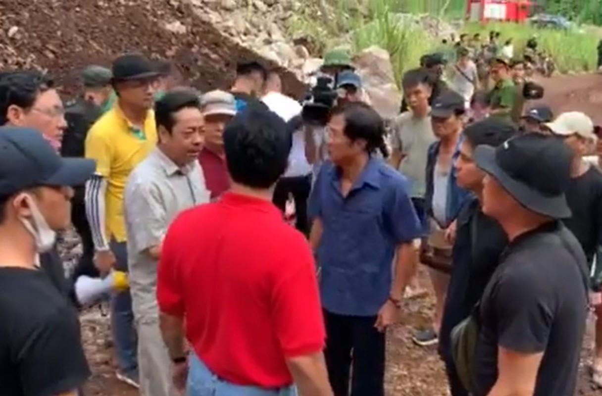 Sao Viet kiet suc, ngat xiu khi quay phim giua troi nang gat-Hinh-7