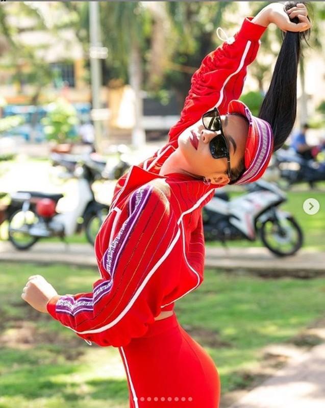"""Hoa hau H'hen Nie goi cam vo doi voi vong 3 """"khong ngung lon""""-Hinh-6"""