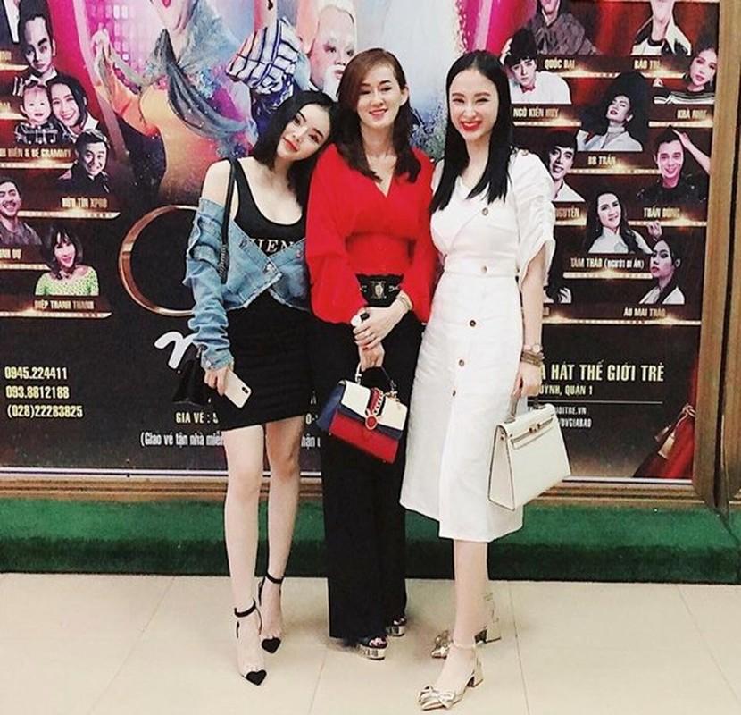 Phat ghen nhan sac xinh dep, tre trung cua me Angela Phuong Trinh-Hinh-6