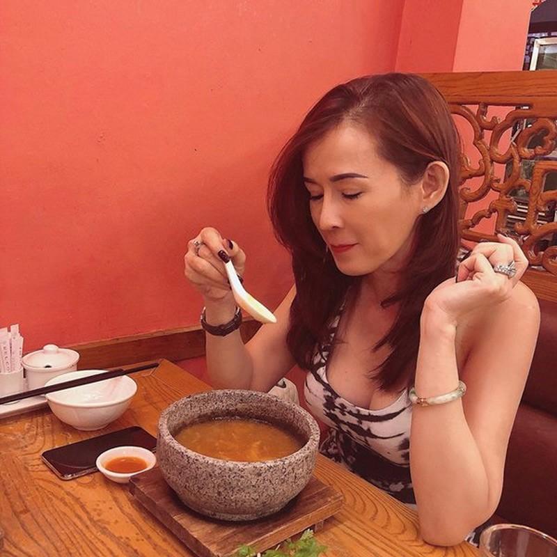 Phat ghen nhan sac xinh dep, tre trung cua me Angela Phuong Trinh-Hinh-9