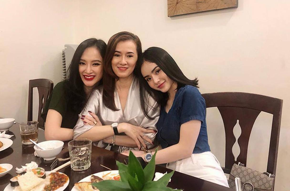 Phat ghen nhan sac xinh dep, tre trung cua me Angela Phuong Trinh