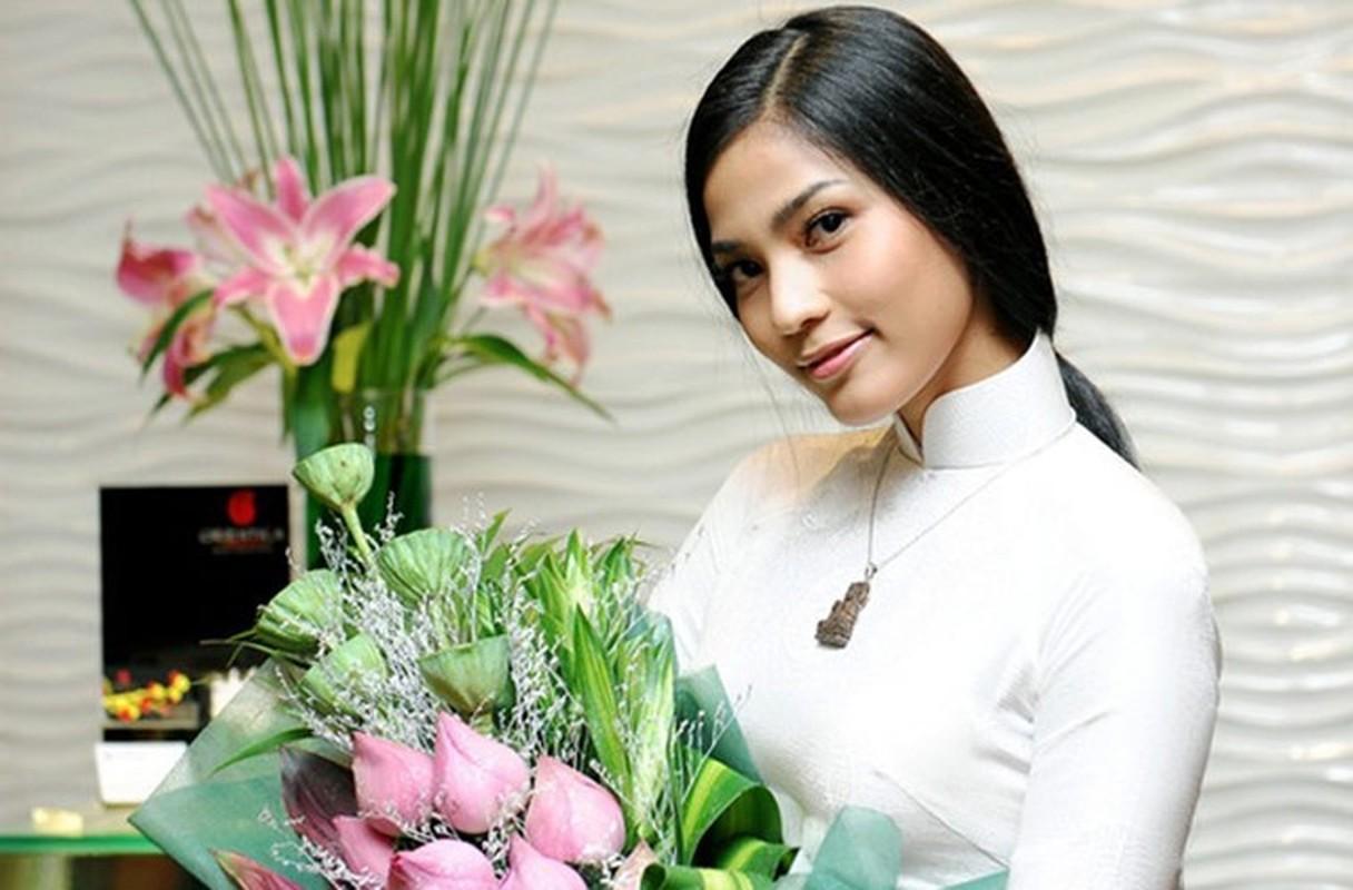 Nhan sac ruc ro cua my nhan Viet an chay truong, cham le chua-Hinh-11