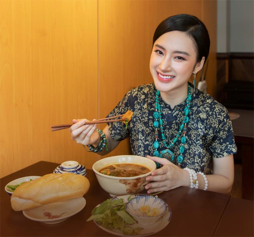 Nhan sac ruc ro cua my nhan Viet an chay truong, cham le chua-Hinh-6