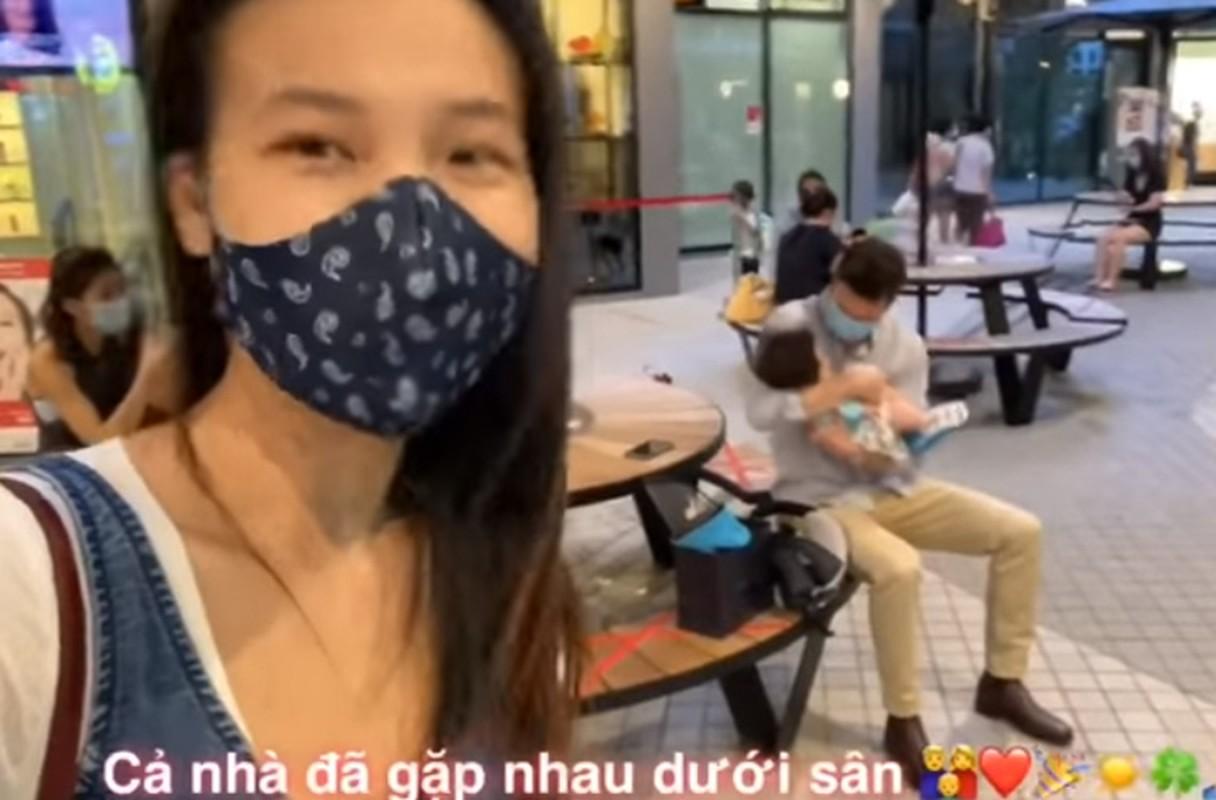 Xuc dong khoanh khac Hoang Oanh va con trai doan tu chong Tay-Hinh-14