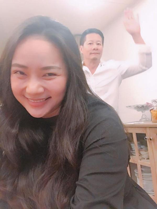 """Phan Nhu Thao ngay cang mum mim, chong van """"say nhu dieu do""""-Hinh-10"""