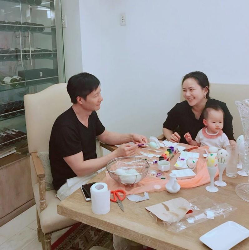 """Phan Nhu Thao ngay cang mum mim, chong van """"say nhu dieu do""""-Hinh-12"""