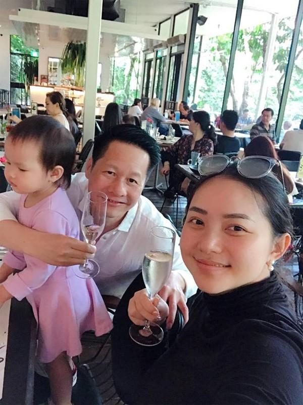 """Phan Nhu Thao ngay cang mum mim, chong van """"say nhu dieu do""""-Hinh-14"""