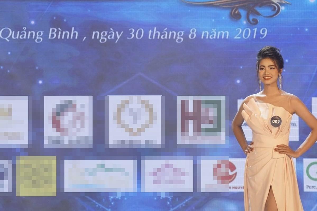 Nhan sac Hoa khoi Nguoi dep Du lich Quang Binh bi tuoc vuong mien-Hinh-6