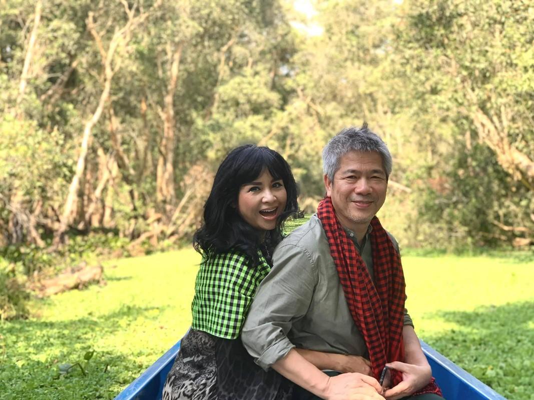 Thanh Lam va ban trai bac si ngay cang man nong, ngong dam cuoi-Hinh-4